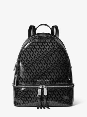 마이클 마이클 코어스 레어백, 글로시 미디움 백팩 - 블랙/실버 Michael Michael Kors Rhea Medium Glossy Signature Backpack,BLACK/SILVER