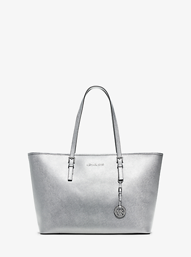 Borsa tote Jet Set Travel media in pelle Saffiano metallizzata by Michael Kors