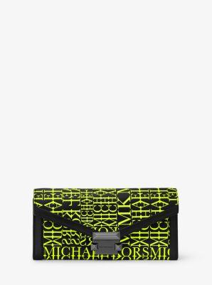 마이클 마이클 코어스 위트니 장지갑 라지 Michael Michael Kors Whitney Large Newsprint Logo Leather Chain Wallet