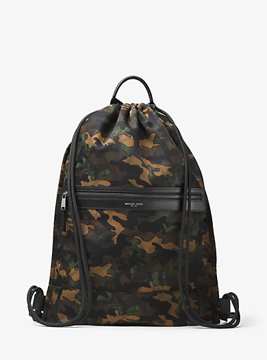 Zaino con coulisse Kent in nylon con stampa camouflage by Michael Kors