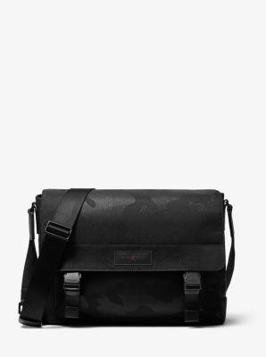마이클 코어스 Michael Kors KORX X TECH Camouflage Messenger Bag,BLACK
