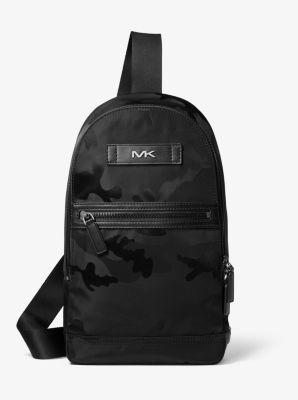 마이클 코어스 맨 카모 슬링백 Michael Kors Kent Camo Jacquard Sling Pack,BLACK