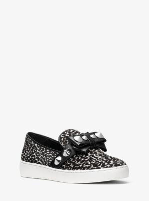마이클 코어스 스니커즈 - 블랙, 화이트 Michael Kors Val Studded Leopard Calf Hair Slip-On Sneaker