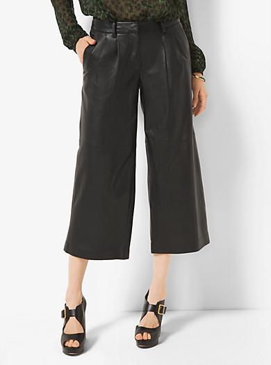 Pantalone culotte in pelle con pieghe by Michael Kors