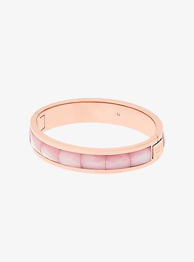 Facettiertes Armband im Rosé-Goldton mit Klappverschluss by Michael Kors