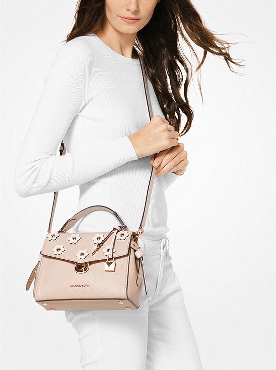 MICHAEL Michael Kors up to 70% OFF