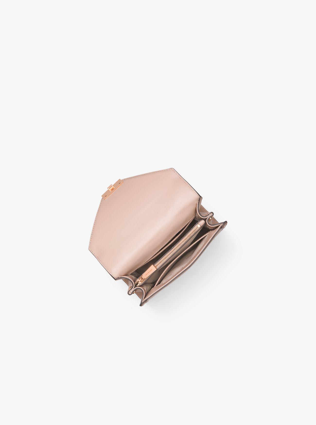 ... Borsa a spalla Whitney convertibile piccola in pelle bicolore ... dc03aa7980d