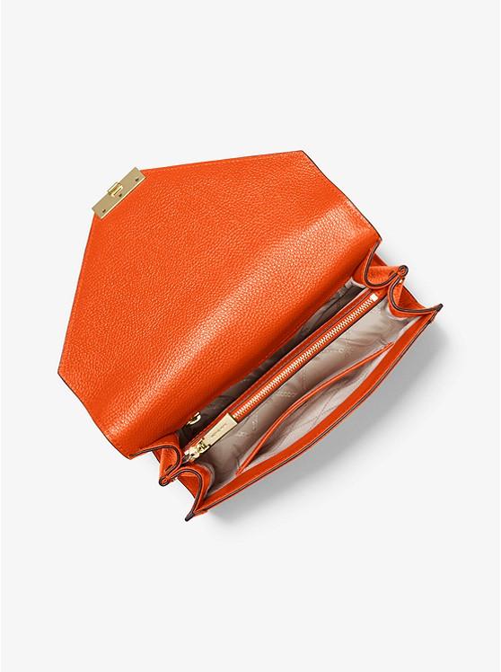 733a094d8d ... Borsa a spalla Whitney convertibile grande in pelle martellata ...