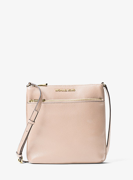 마이클 마이클 코어스 메신저백 Michael Michael Kors Riley Small Pebbled Leather Messenger Bag,SOFT PINK