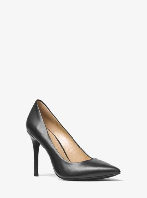 mikael kors pumps