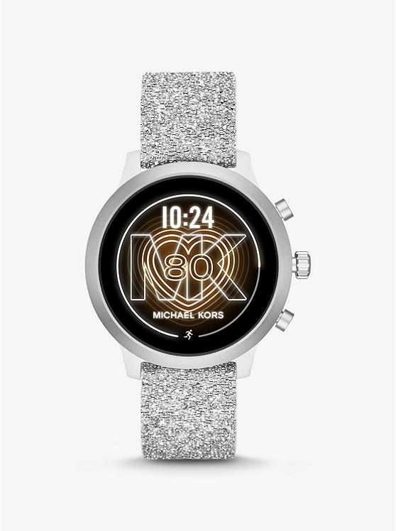 Smartwatch MichaelKors Access MKGO in silicone con dettagli tonalità argento